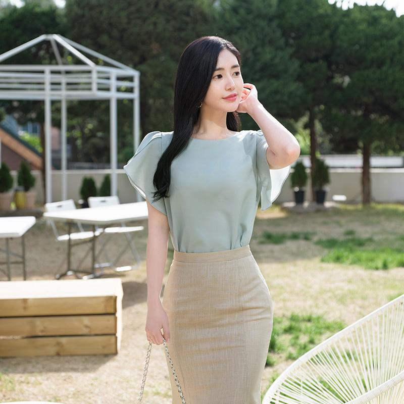 bs2392 소매 퍼프프릴 장식으로 화사하게 완성된 썸머 블라우스 blouse