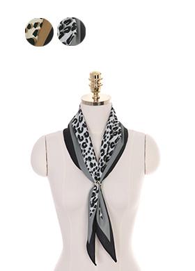 ac3589 마름모 쉐입의 레오파드 패턴과 배색 라인 스카프 scarf