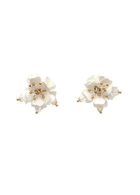 ac3700 투명한 비즈장식의 입체적인 플라워쉐입 이어링 earring
