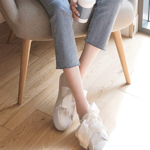 sh1323 유니크하고 러블리한 무드의 리본 장식 통굽 스니커즈 shoes