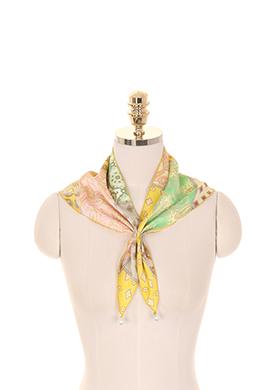 ac3852 여성스러운 패턴이 믹스된 로맨틱 옐로우 컬러감의 진주 장식 쁘띠 스카프 scarf