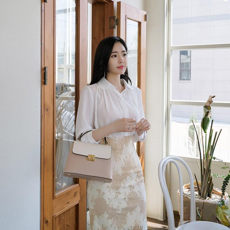 bs4252 레이디룩의 정석 베이직 카라넥의 7부소매 셔링블라우스 blouse