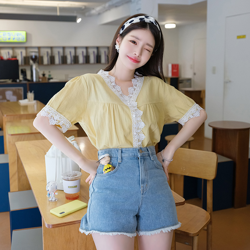 bs4396 진주 단추와 레이스 트리밍의 반팔 블라우스 blouse
