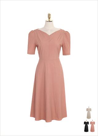 op7194 브이 보트넥과 퍼프숄더 디테일의 플레어 롱 드레스 dress