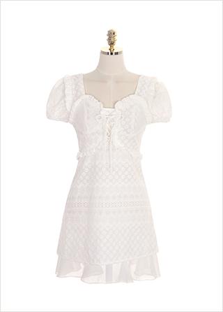 op7468 하트 스퀘어 네크라인과 아일렛 디테일의 레이스 펀칭 원피스 dress