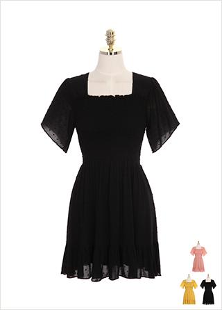 op7471 백 꼬임 스트랩과 스모크 밴딩 디테일의 플레어 도트 원피스 dress