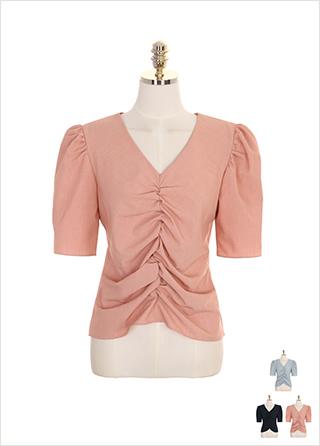 bs4522 셔링 주름 포인트와 나팔소매 디자인의 브이넥 블라우스 blouse