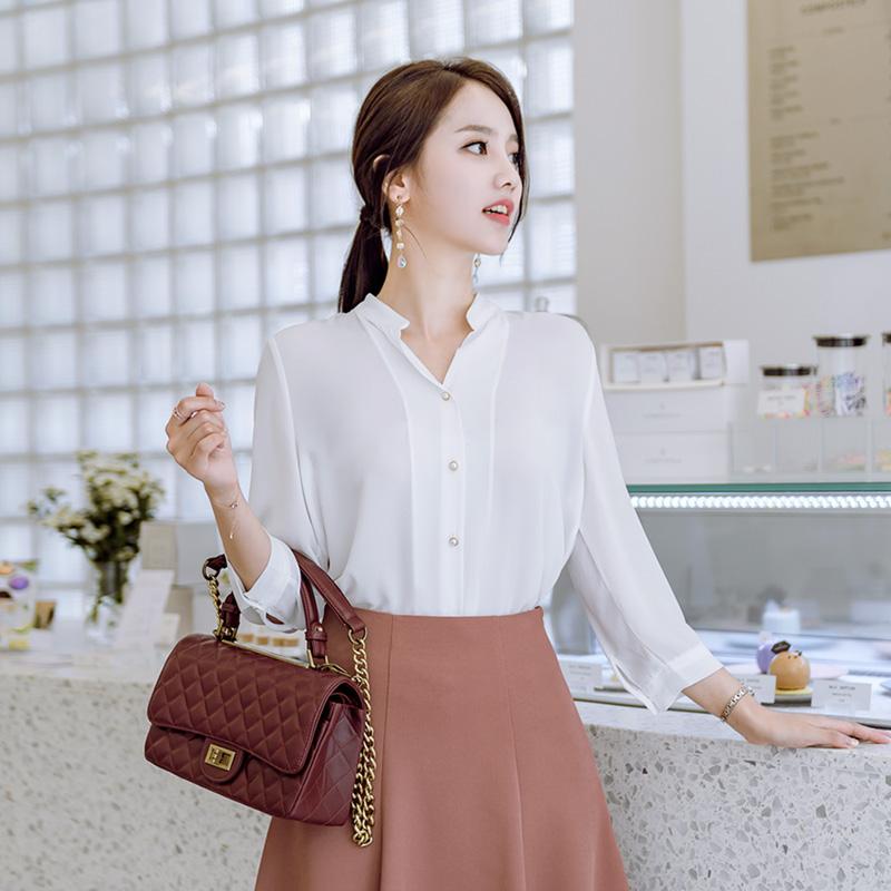 bs3711 자꾸자꾸 손이가는 진주장식 포인트의 7부소매 베이직 쉬폰블라우스 blouse