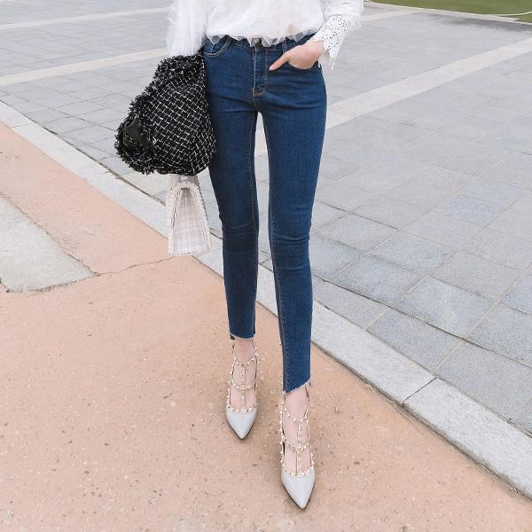 ps1589 다리가 길고 예뻐보이는 반하이핏 언밸런스 밑단 커팅 안감기모 데님 스키니진 pants