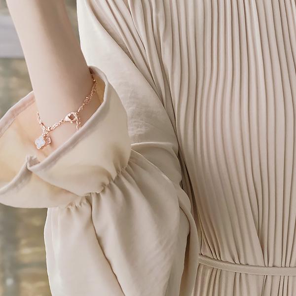 ac3766 클래식하면서도 로맨틱한 네잎클로버 하트큐빅장식의 이중 체인 브레이슬릿 bracelet