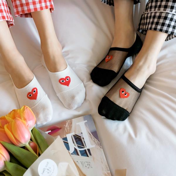 un186 뒷꿈치 부분 실리콘 처리로 벗겨짐 걱정없는 하트 감성의 페이크 양말 socks