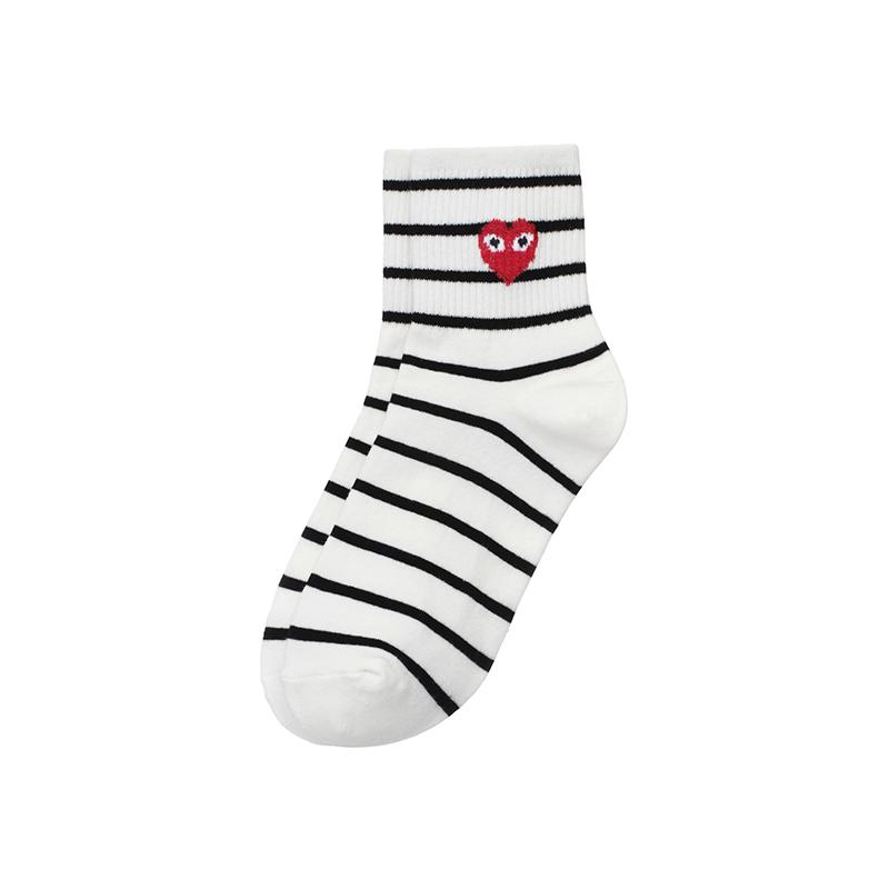 un185 꼼* 하트 마크로 귀엽게 완성된 스트라이프 중목 양말 socks