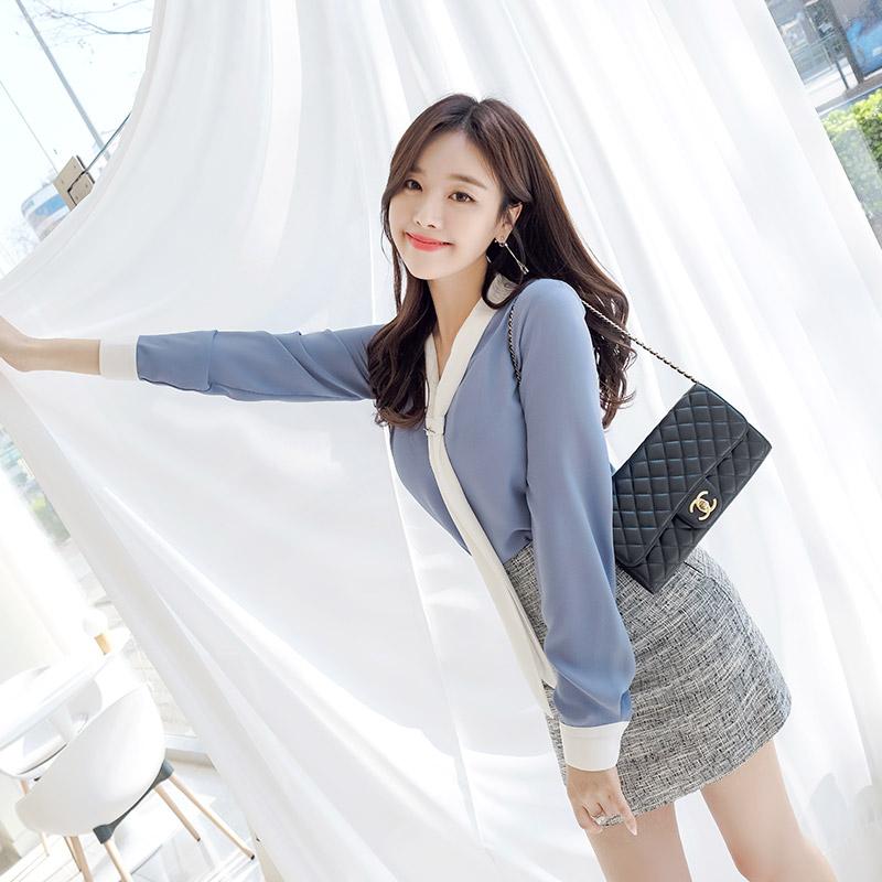 bs4254 세련된 배색 디자인의 타이 블라우스 blouse