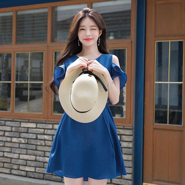 op7052 어깨트임 디테일 포인트 허리스트랩 세트 구성의 미니 원피스 dress