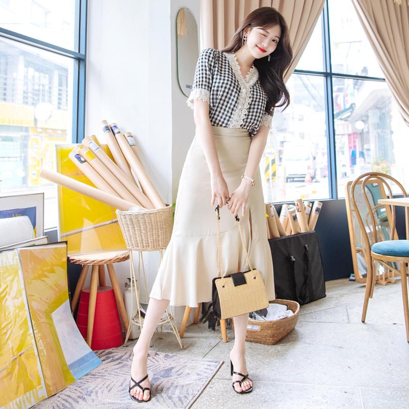 sk3536 언밸런스한 슬릿포인트 밑단 프릴 장식의 페미닌 쉬폰 롱스커트 skirt