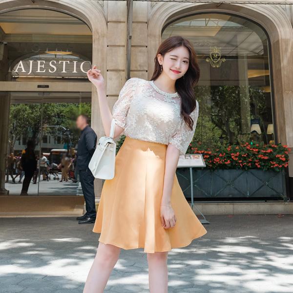 sk3560 로맨틱한 꽃잎같은 플레어 절개라인 미디 훌스커트 skirt