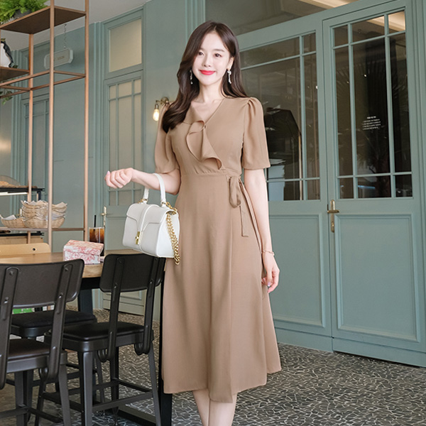 op7546 페미닌한 디자인의 롱 언발 프릴 랩 원피스 dress