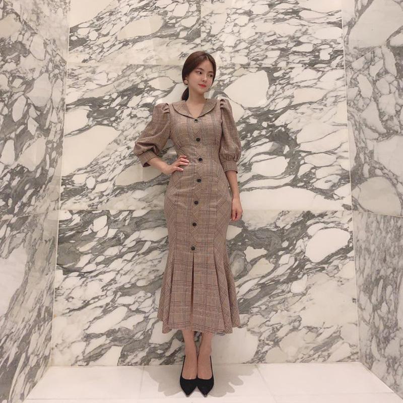 op7653 인어 머메이드 실루엣의 퍼프숄더와 단추 포인트 체크 롱원피스 dress