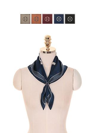 ac4139 명품감성이 물씬나는 스템프 프린팅 심플 정사각형 쉐입 스카프 scarf