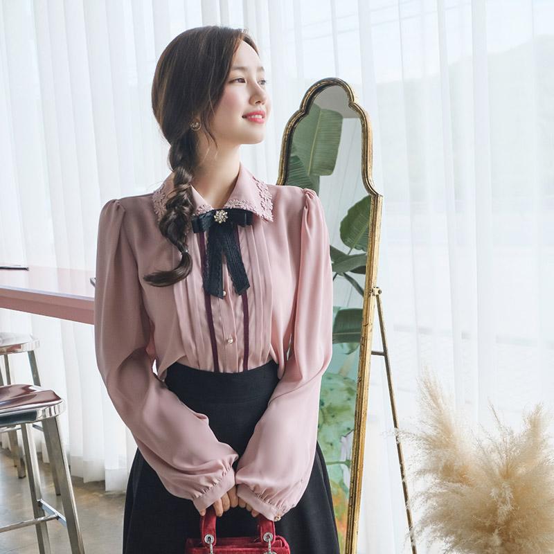 bs4656 로맨틱한 무드의 배색 핀턱장식 큐빅브로치 세트 블라우스 blouse