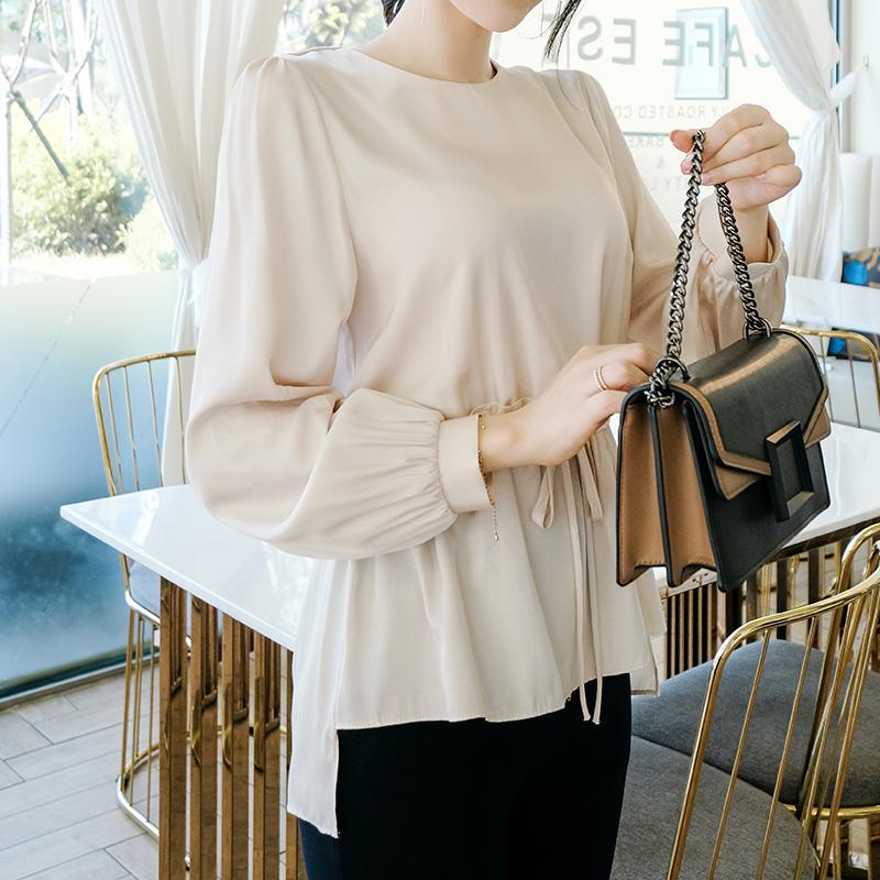 bs4676 은은하게 빛나는 샤틴 재질의 허리 스트링 블라우스 blouse