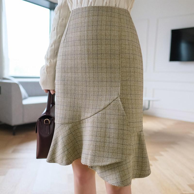 sk3767 언밸런스한 러플 쉐입과 잔잔한 체크 패턴의 미디스커트 skirt