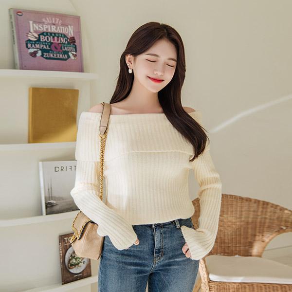 nt1969 폭신폭신 부드러운 소재감의 여리핏 오프숄더 로맨틱 니트 knit
