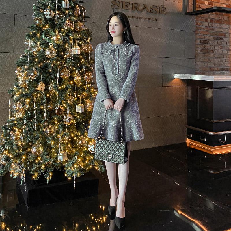 op8183 내추럴 밑단 컷팅과 은장단추 장식의 트위드 플레어 원피스 dress