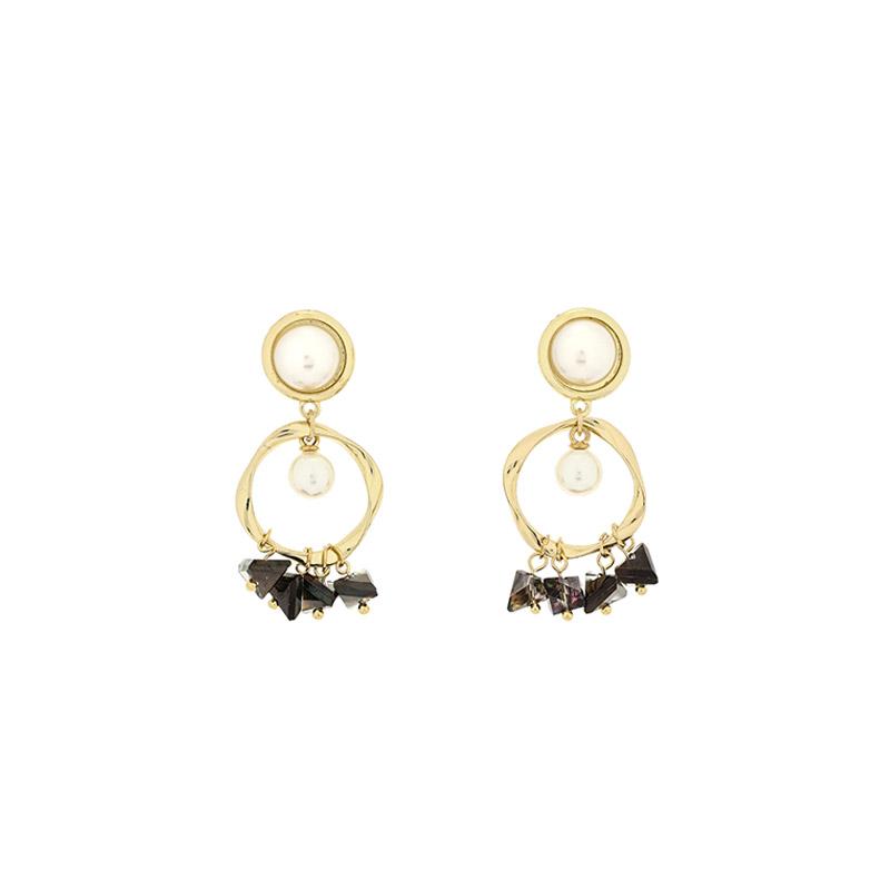 ac4319 진주를 품은 골드링에 블랙 셔링으로 포인트를 더한 드롭 이어링 earring