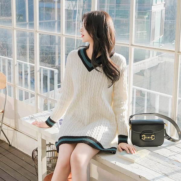 op8332 걸리쉬한 무드의 컬러 배색 포인트로 제작된 울혼방 꽈배기 니트 미니 원피스 dress