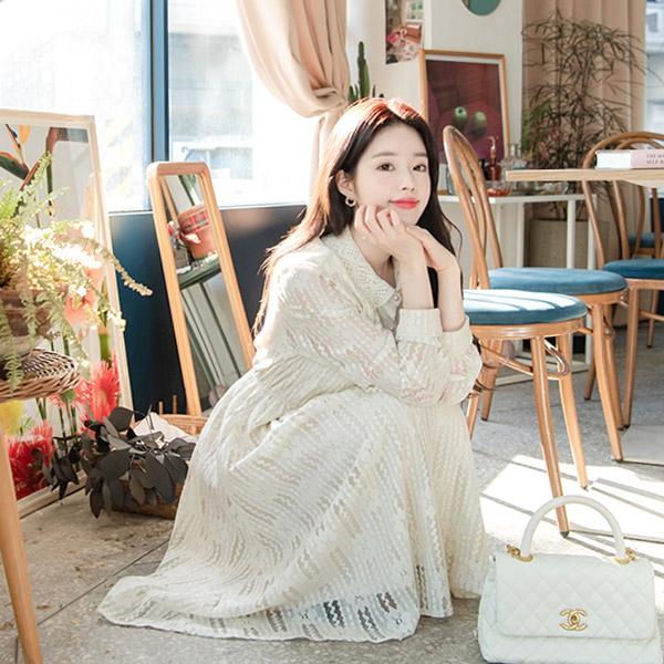 op8319 여성스러운 레이스 카라와 진주 콩단추 장식의 허리밴딩 롱 원피스 dress