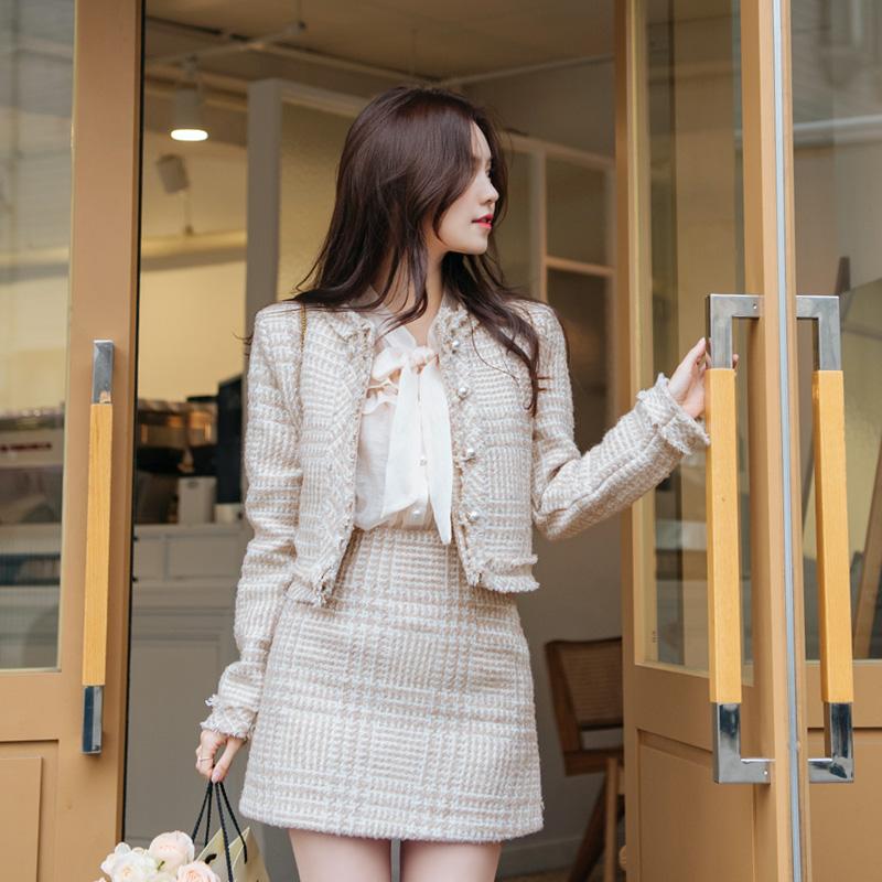 jk1087 따뜻한 누빔안감과 샤이닝한 실버 펄감이 더해진 트위드 숏 자켓  jacket