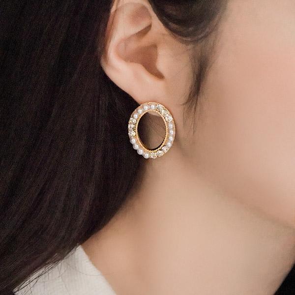 ac4344 큐빅과 진주의 조화가 아름다운 타원 이어링 earring