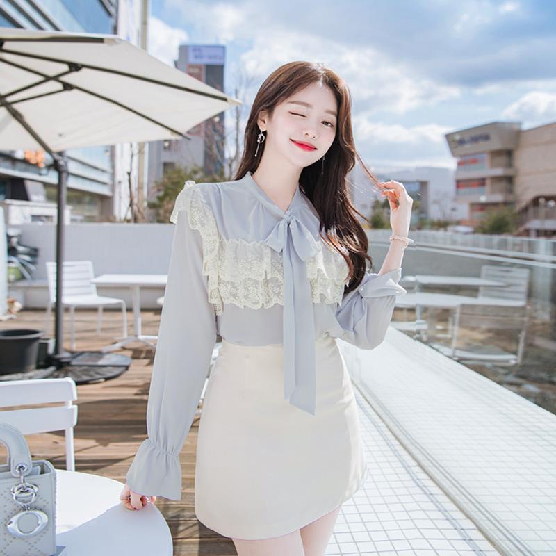bs4982 로맨틱한 무드가 느껴지는 이중 물결레이스 장식의 리본 블라우스 blouse
