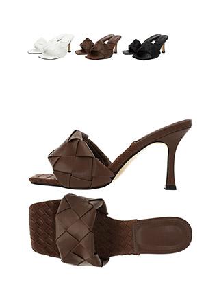 sh1824 짜임 디테일의 볼드한 스트랩과 사각코 쉐입의 매력적인 오픈토 뮬 힐 shoes