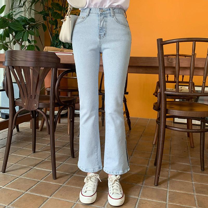 ps2145 트렌디한 밑단 슬릿 포인트의 슬림 9부 부츠컷 연청 데님팬츠 pants