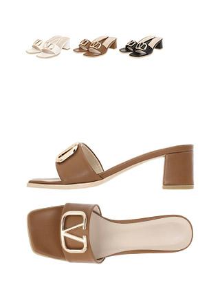sh1860 깔끔한 디자인에 골드 장식이 돋보이는 스퀘어 라인의 오픈토 뮬 힐 shoes