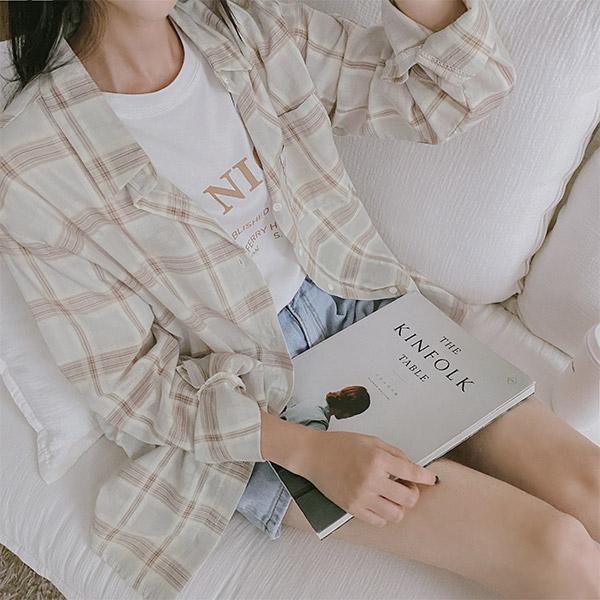 bs5311 얇고 가벼워 청량감이 느껴지는 여리여리 체크 배색 코튼셔츠 blouse