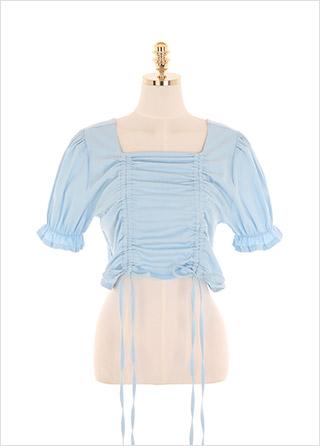 bs5318 두 줄 셔링 디테일이 돋보이는 크롭 디자인의 스퀘어넥 블라우스 blouse