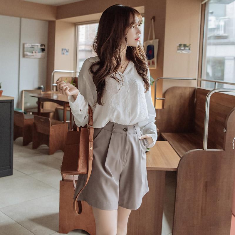 bs5357 내추럴한 무드의 결이 느껴지는 시스루소재 오픈카라 루즈핏 셔츠 blouse