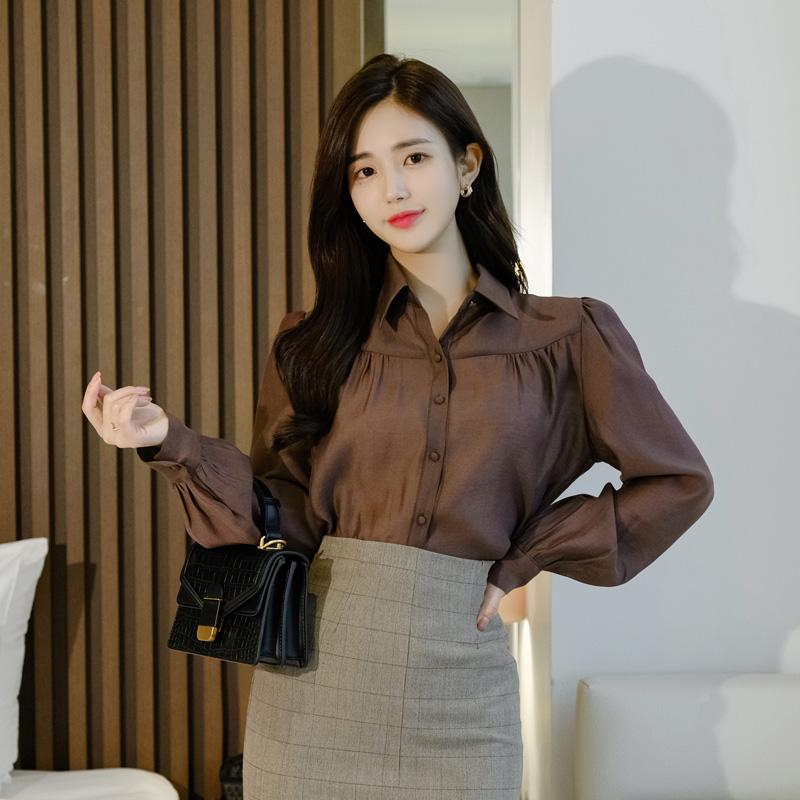 bs5411 실키한 터치감과 셔링디자인의 시스루 텐셀블라우스 blouse