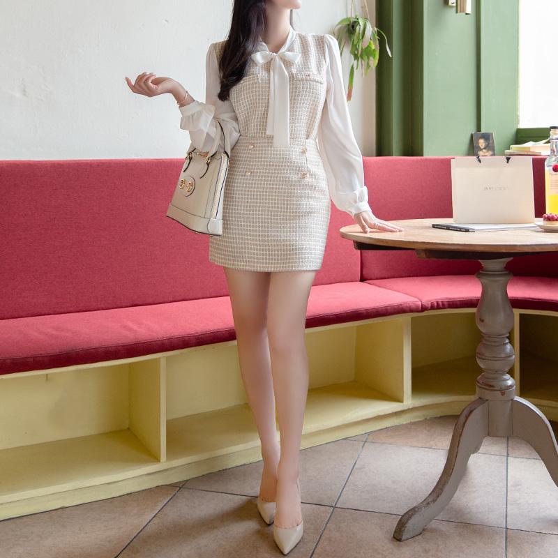 sk4305 은은하게 반짝이는 골드펄 트위드 패브릭과 진주버튼 장식 미니 스커트 skirt