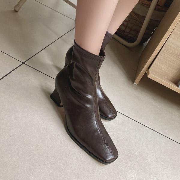 sh1993 트렌디 포인트를 한가득 담은 슬림한 라인 스퀘어토 삭스부츠 shoes