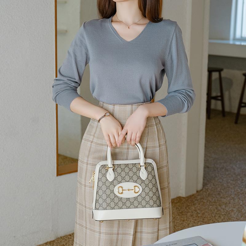 nt2308 차분한 감성의 울 혼방 브이넥 니트 knit