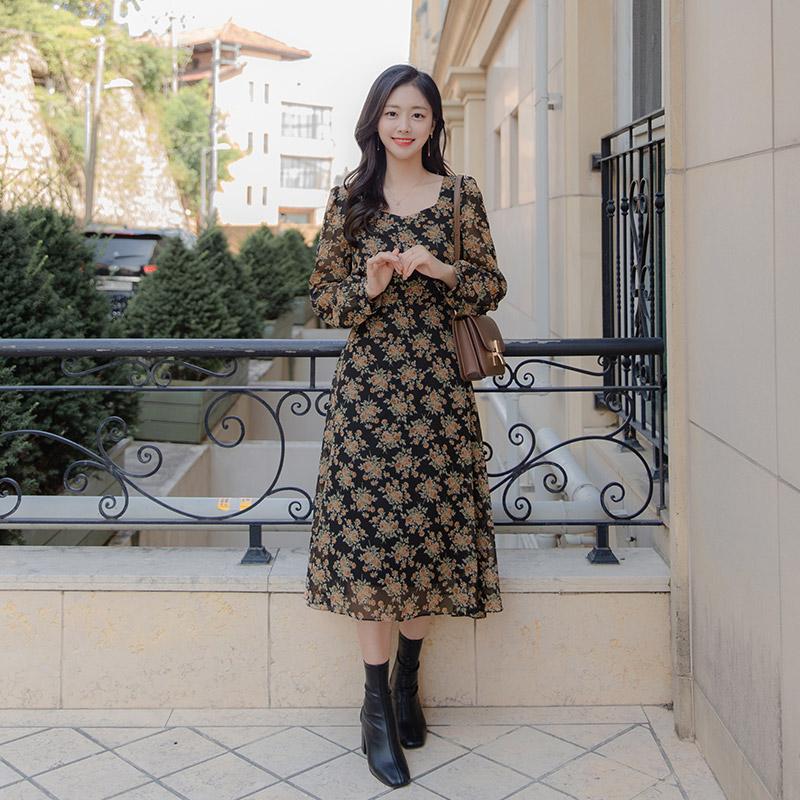 op9964 우아한 무드의 플라워 패턴으로 제작된 다이아넥 A라인 롱 쉬폰원피스 dress