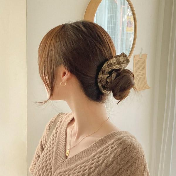 ac4734 따뜻한 무드를 가득 담아낸 체크 패턴 곱창 헤어밴드 hairband