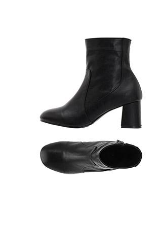 sh2067 부드러운 기모안감의 레더와 스웨이드 타입 라운드 토 미들굽 앵클부츠 shoes