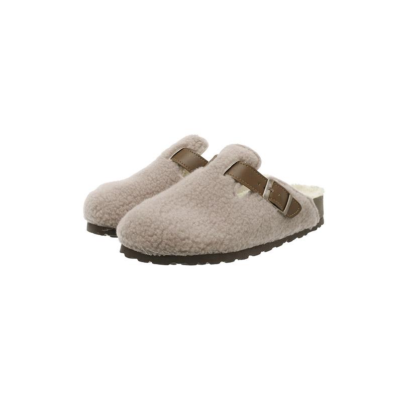 sh2102 따뜻한 뽀글이 패브릭과 버클 디테일로 완성된 로우굽 블로퍼 shoes