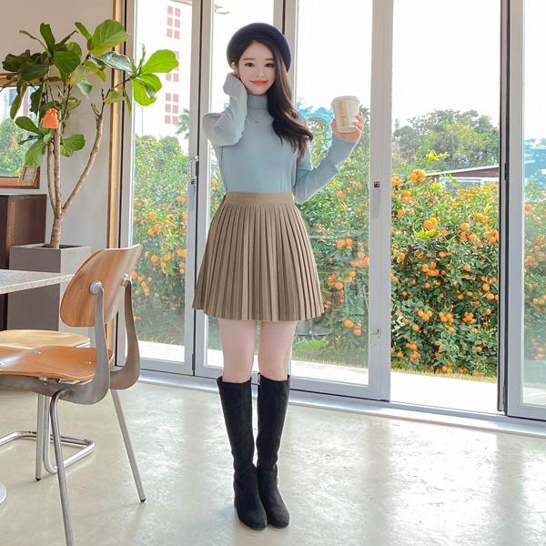 sk4425 부드럽고 포근한 스웨이드 소재의 백밴딩 잔플리츠 A라인 미니 스커트 skirt