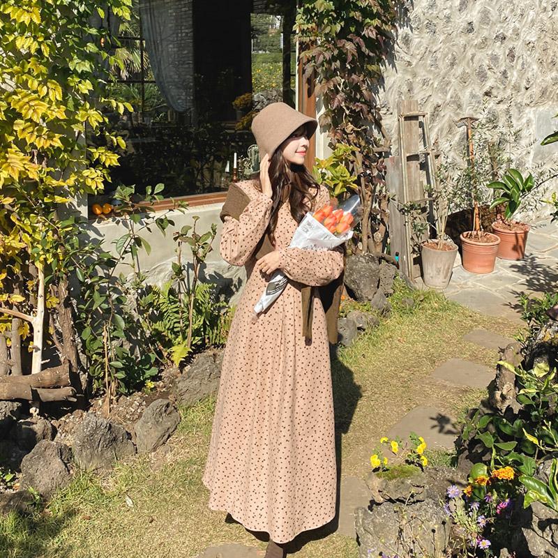 op10218 잔잔한 플라워 패턴의 기모원단 뒷리본 V넥 플레어 롱원피스 dress